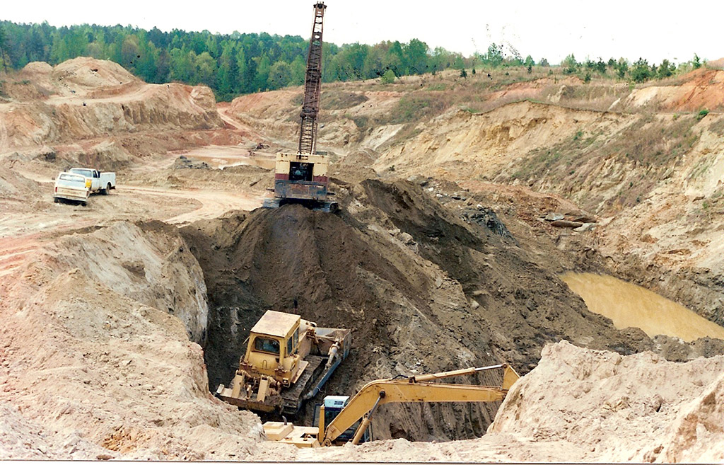 Open cast vermiculite mining at the Abercrombie pit in South Carolina
