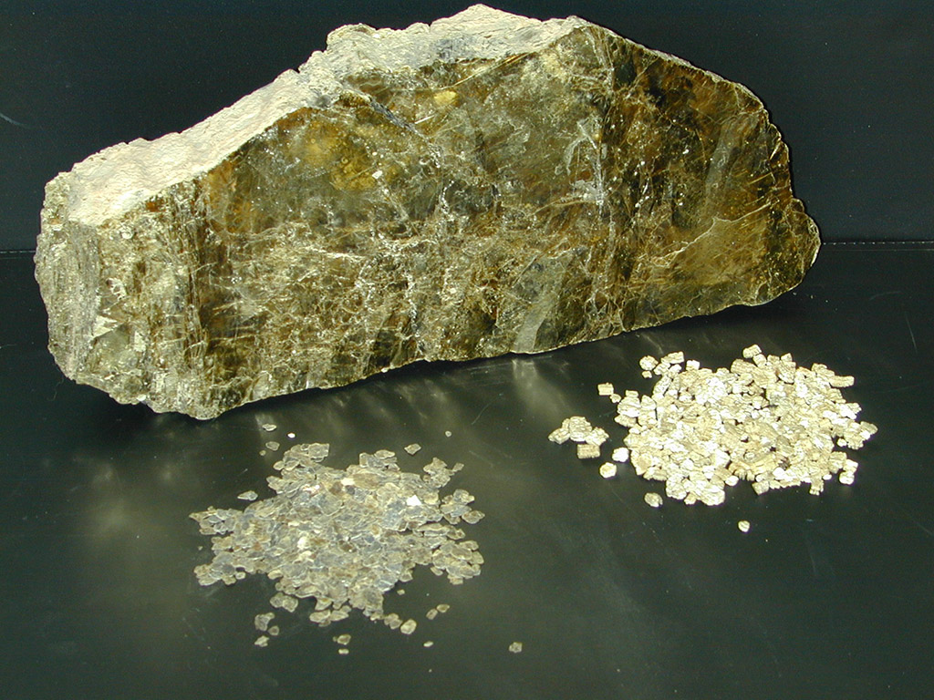 Lump of vermiculite ore, screened vermiculite, exfoliated vermiculite.